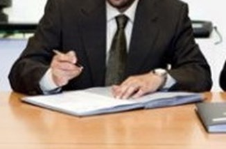 Contract_signing_cropped