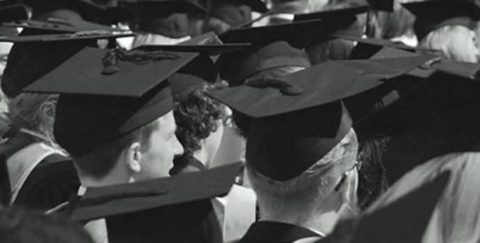 Students_in_mortar_boards