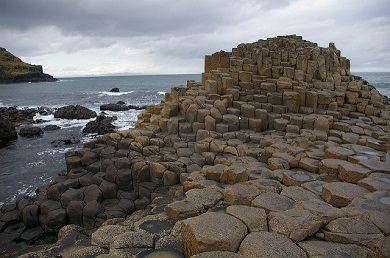 Giants Causeway - rocks going out to sea
