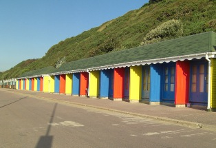 Beach_Huts_on_Bournemouth_Seafront_-_geograph.org.uk_-_534844