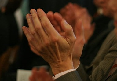 Applauding_hands