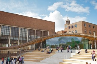 University_of_Exeter_Piazza_ By University of Exeter from United Kingdom - Piazza, CC BY 2.0.jpg