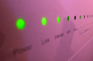 Broadband router by Sean MacEntee CC BY 2.0.jpg